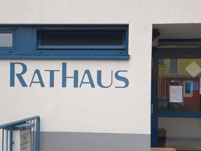 Rathaus-Woellstadt