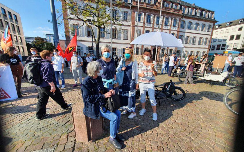 OMAS GEGEN RECHTS beim Gegenprotest in Darmstadt